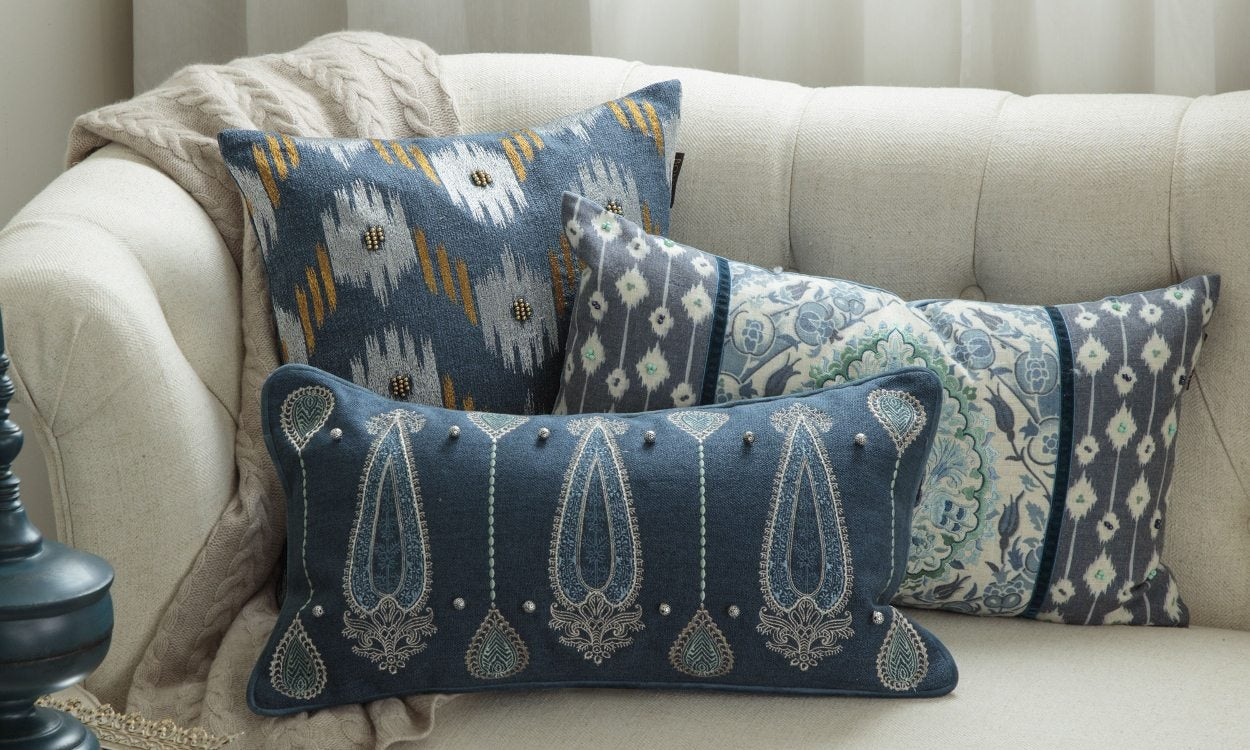 5 Tips on How to Wash Your Throw Pillows | Overstock.com