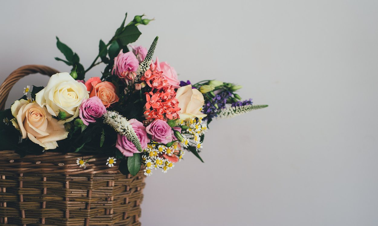 How to Keep a Rose Bouquet Fresh and Beautiful