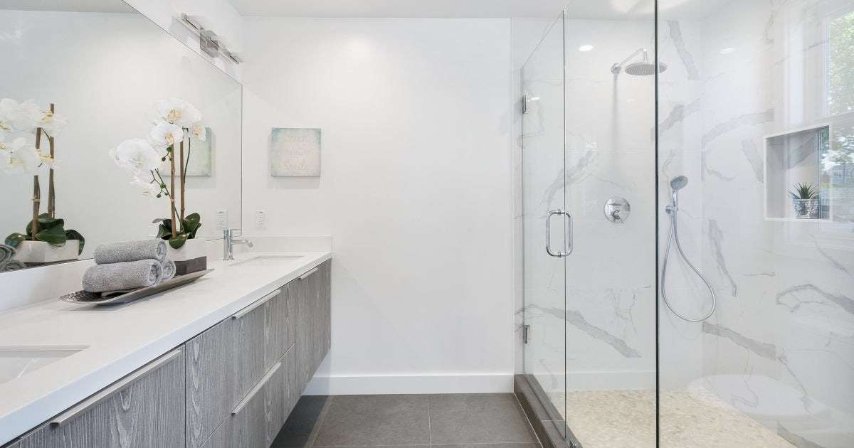 5 Tips To Keeping Your Shower Doors Sparkly Clean