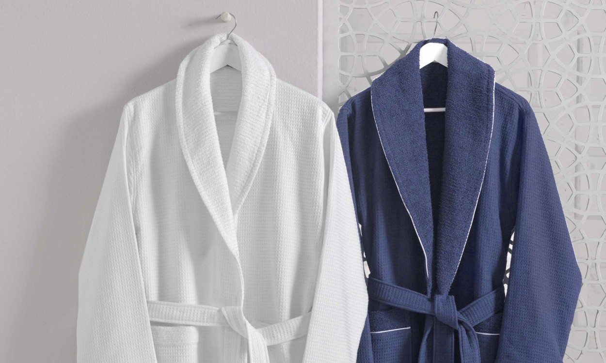 Top 4 Bathrobe Questions Answered - Overstock.com 6a8c684c3