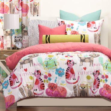 Decorative pillows for cute girls' bedding