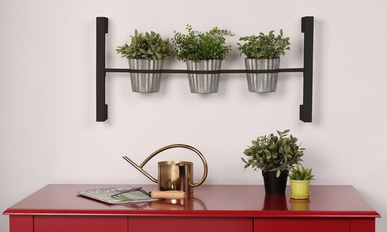 Top 5 Gardening Gifts for Mother's Day