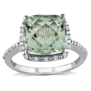 Green amethyst gemstone cocktail ring the perfect jewelry gift idea for friends