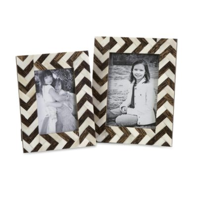 A picture frame, a perfect Christmas gift for your granpda