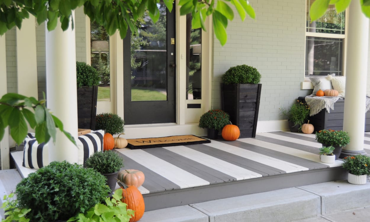 Cozy Fall Porch Decor