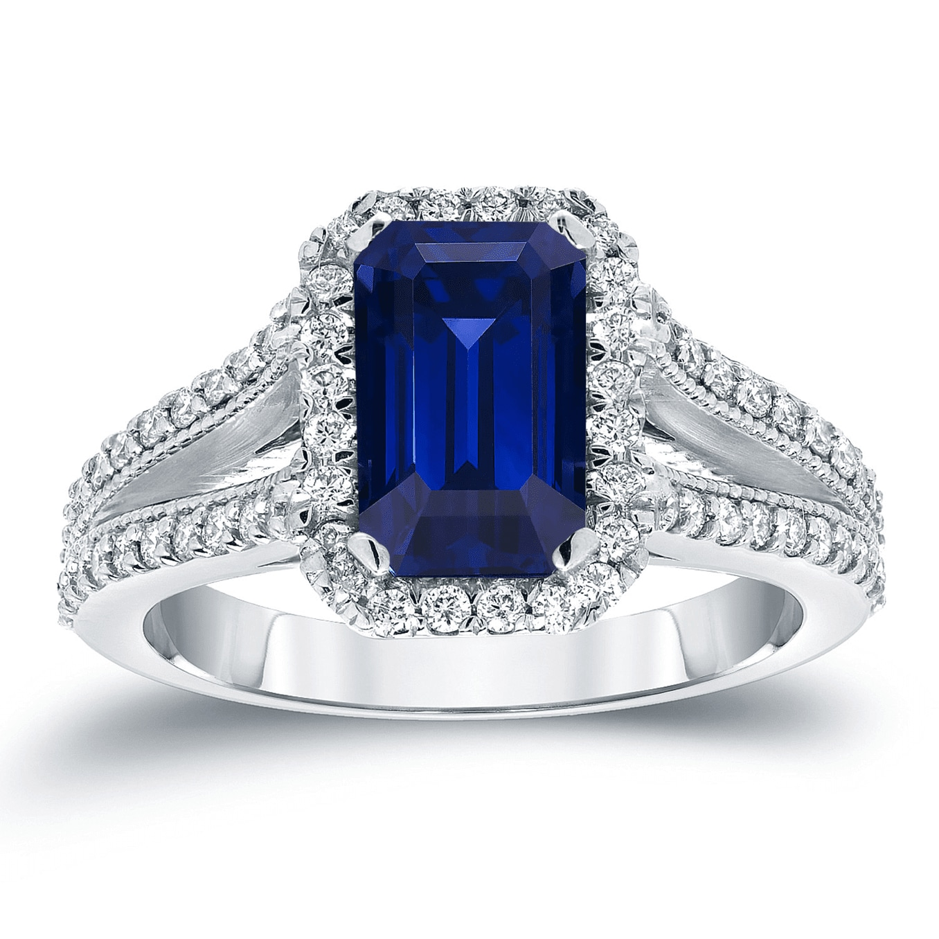 A sapphire stone unqiue engagement ring