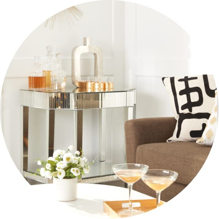 A small bar with barware essentials, perfect to give as a gift for Christmas