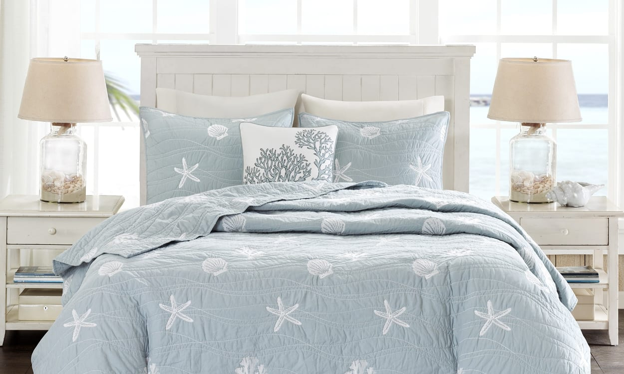 Coastal style bedroom, the perfect bedroom style for your home