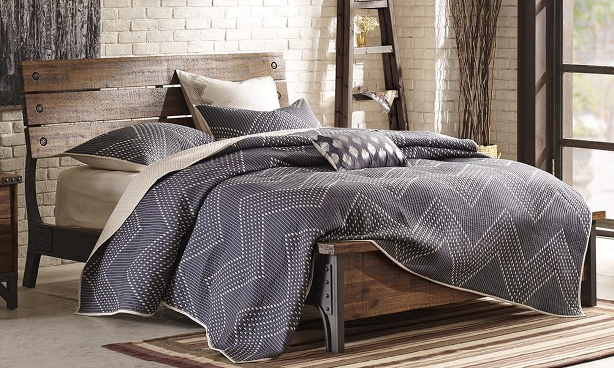 Top 11 bedroom furniture and decor styles - Industrial style bedroom furniture ...