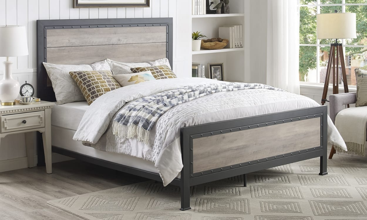 Rustic style king-size bed