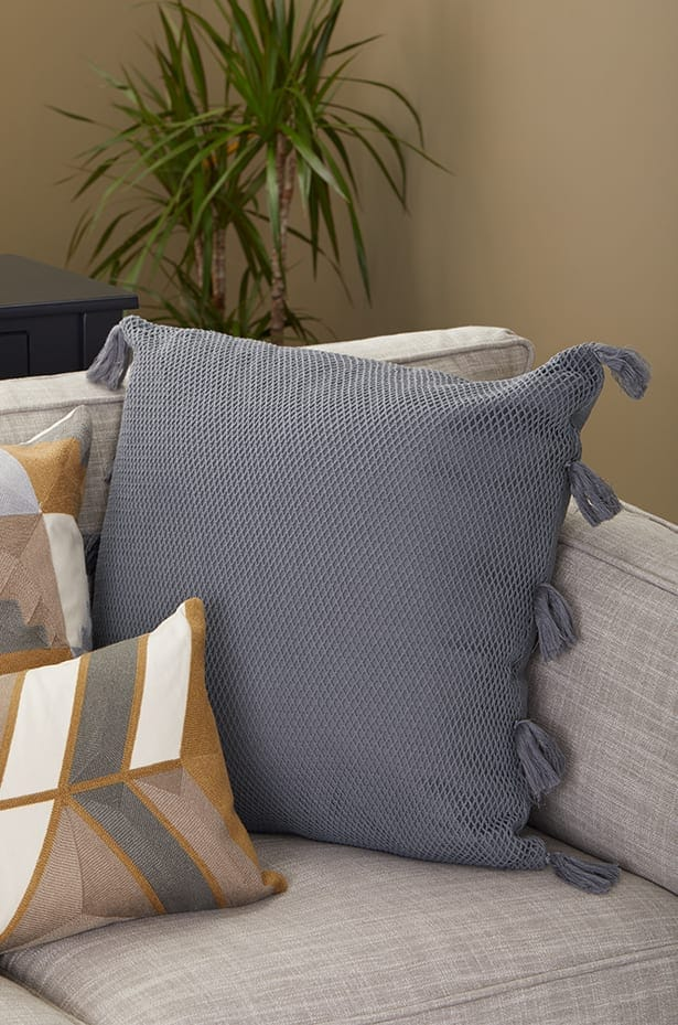 How To Arrange Sofa Pillows On Any Type Of Sofa