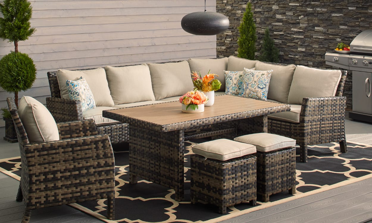 How To Choose Patio Furniture For Small Es