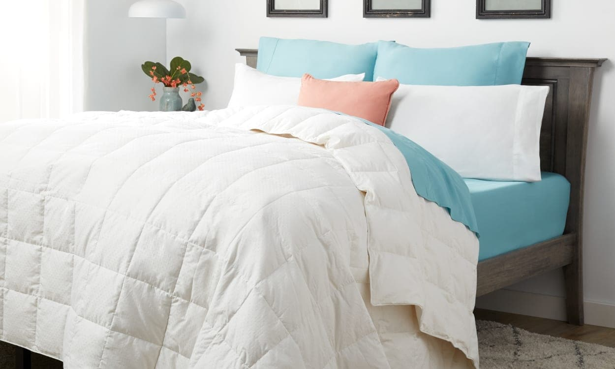 What Is A Down Comforter Here S What To Know Overstock Com