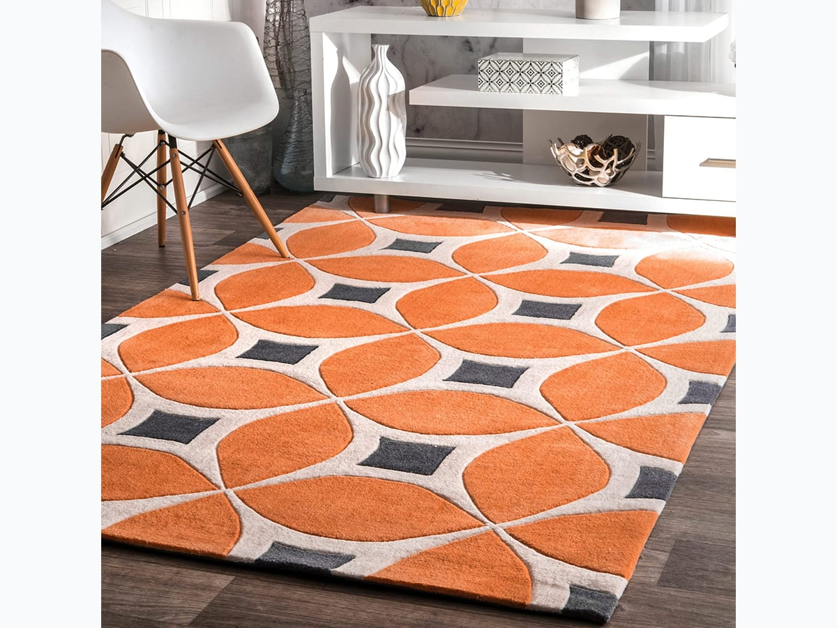 Retro patterned area rug
