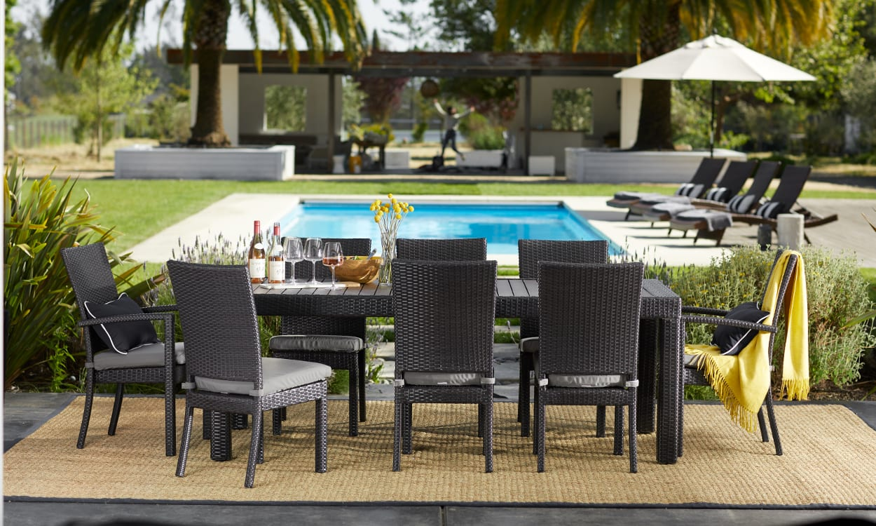 3640a40113d 14 Pool Party Essentials for Your Next Poolside Bash | Overstock.com
