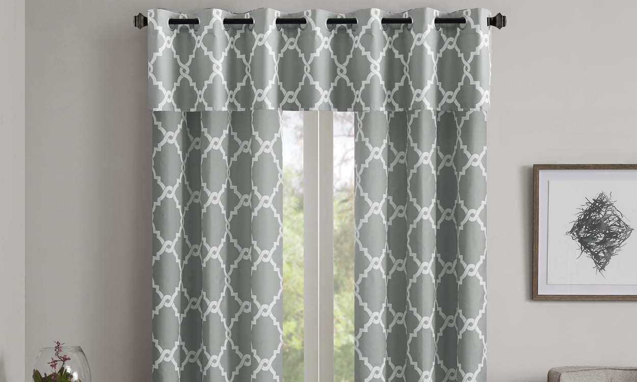 How to Hang a Valances and Curtains