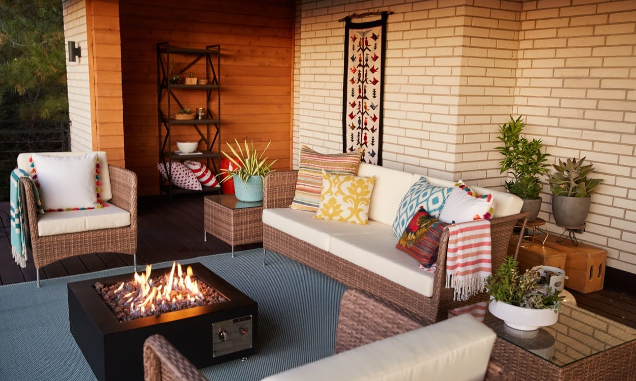 Outdoor patio furniture and fire pit. Patio Decorating Ideas