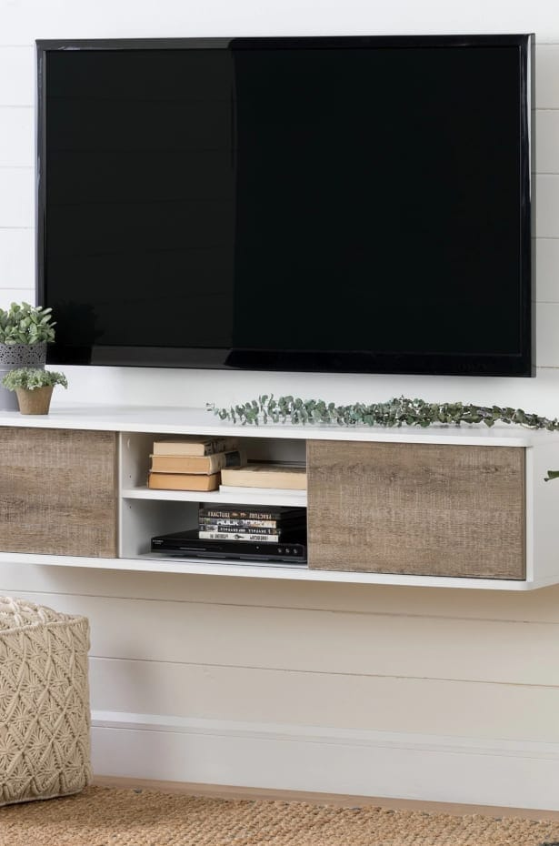 Hang a Wall-Mounted TV
