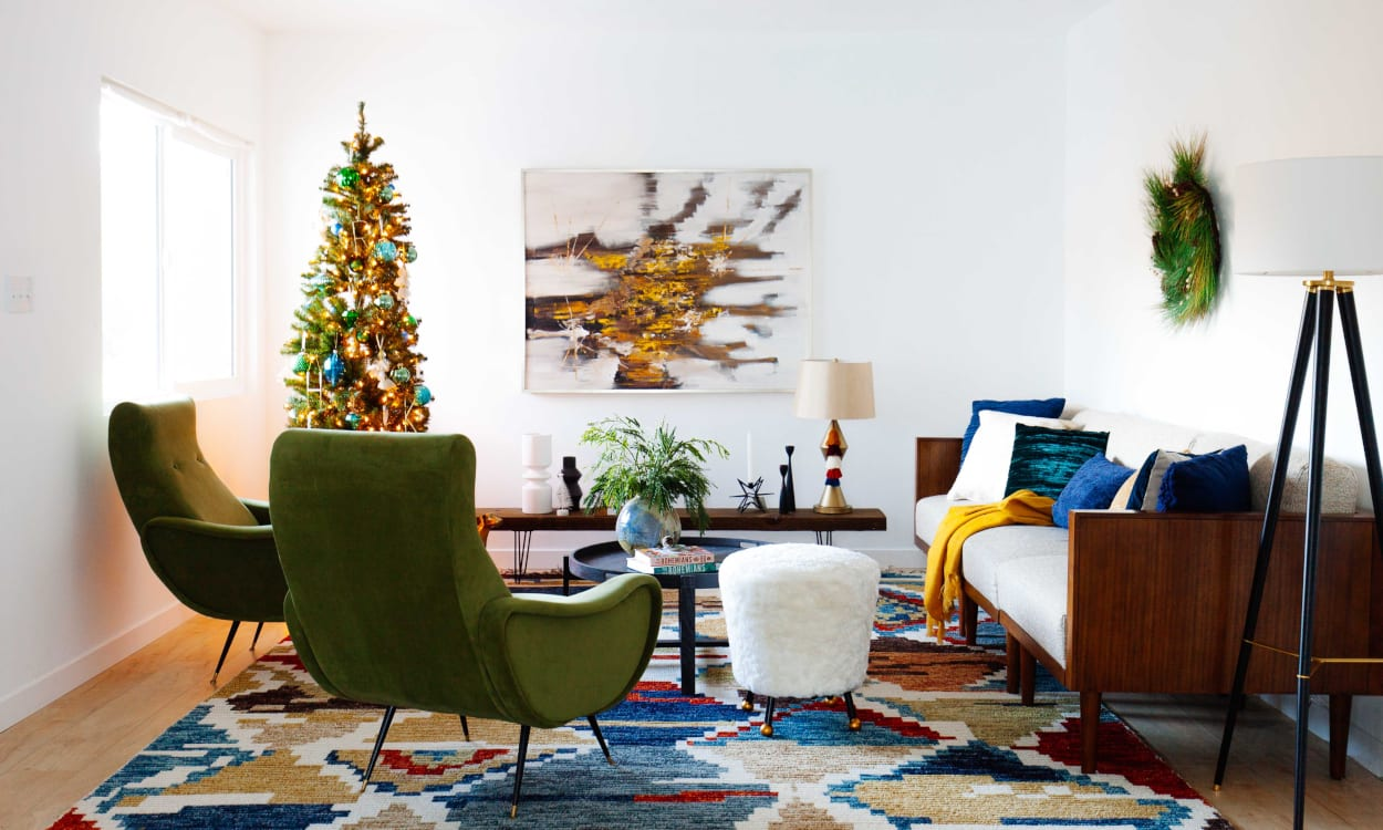 Living Room Decorated for Christmas in Nontraditional Colors