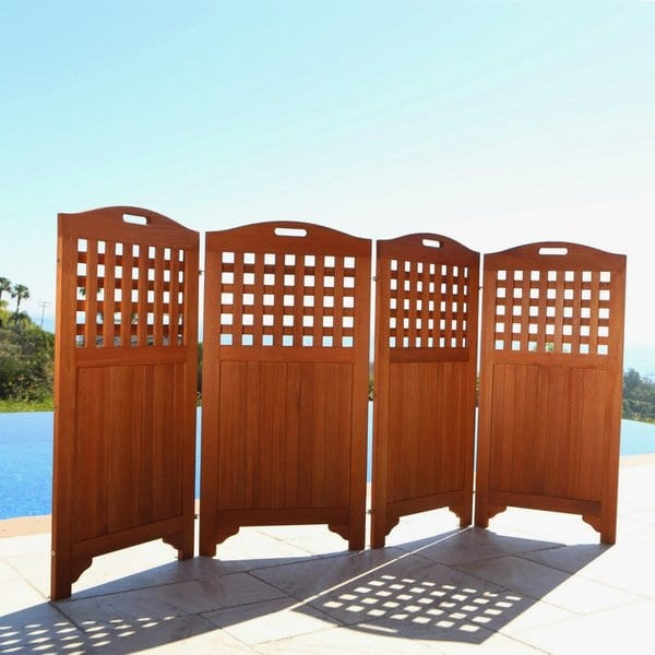 Wooden patio privacy screen