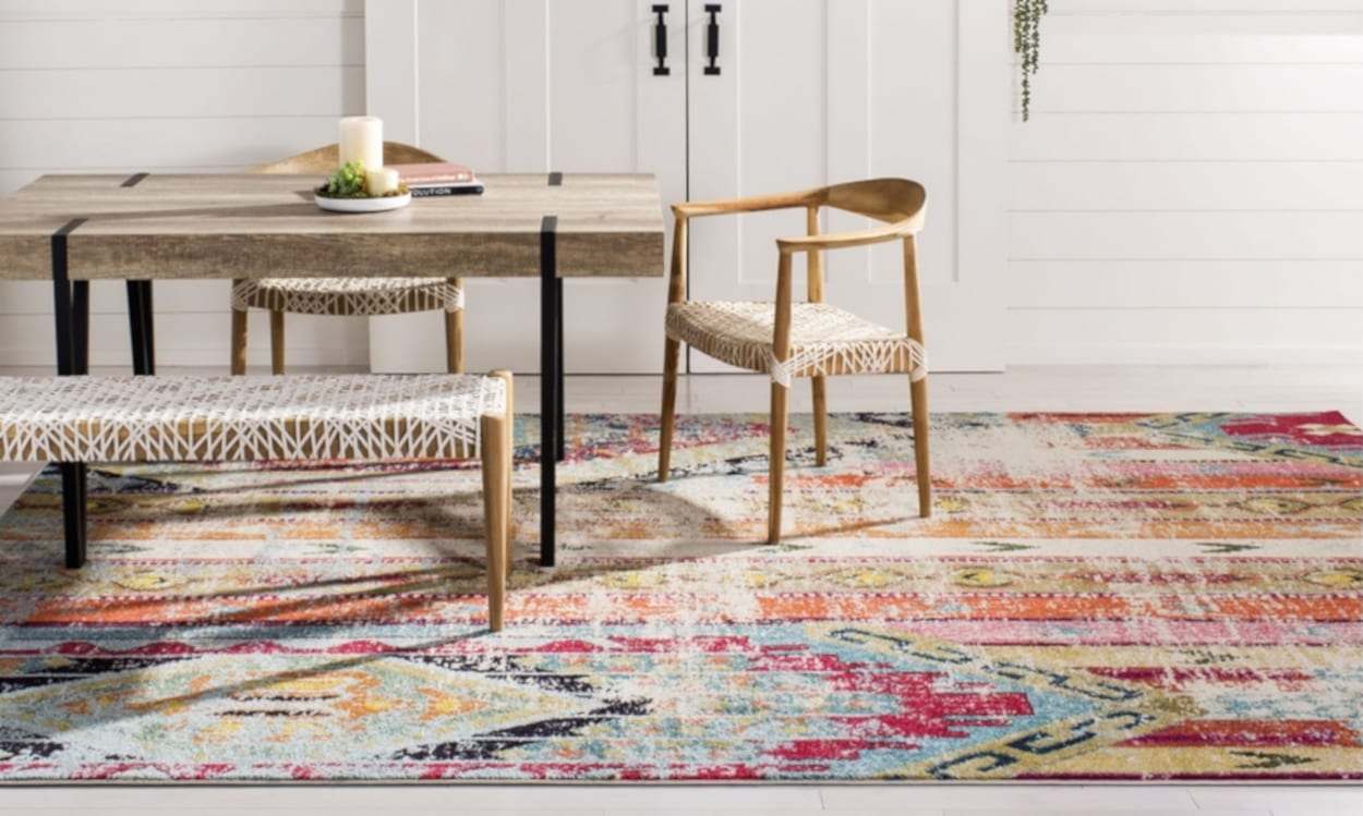 Dining room with a polypropylene area rug