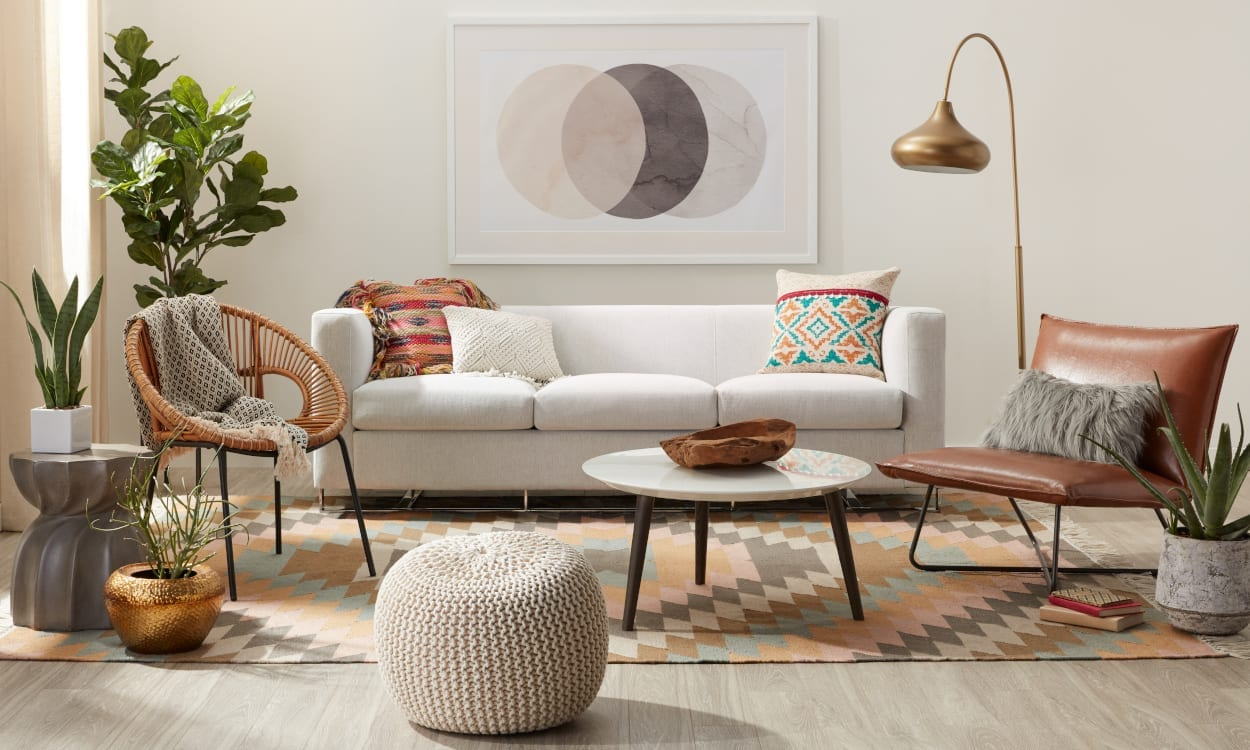 Living room with a multicolored room