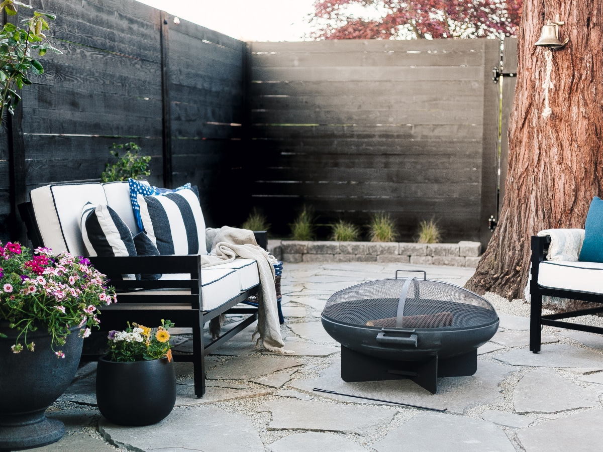 Outdoor patio with black outdoor furniture