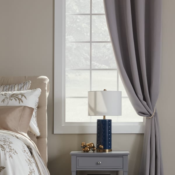 Best Fabric for Curtains: Thermal Curtains