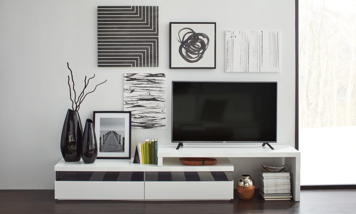 Black-and-White Decor Ideas to Try at Home | Overstock.com