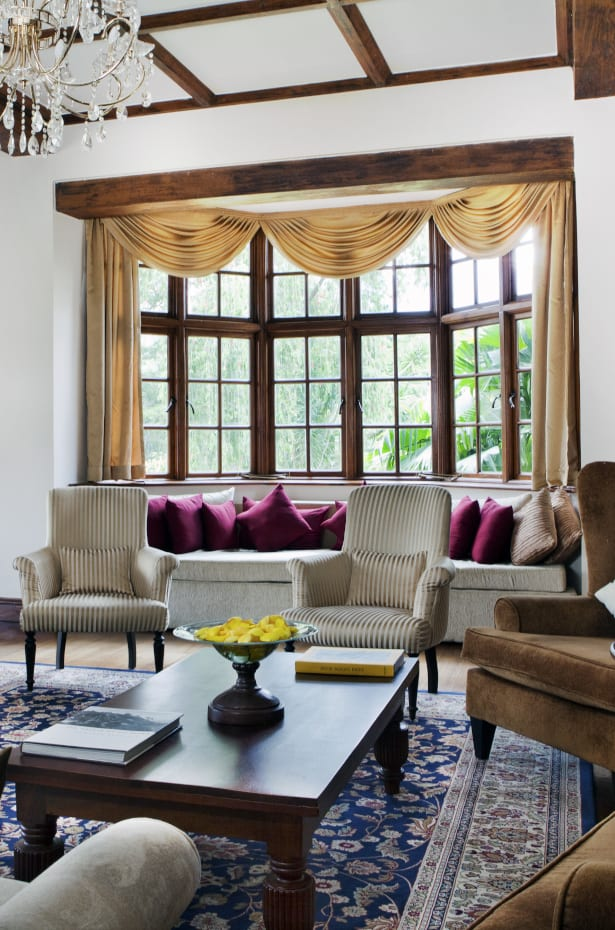 Curtain Styles: Create Elegance With Scarf Curtains