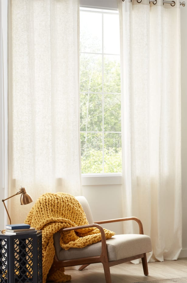 Curtain Styles: Create a Cozy Atmosphere With Sheer Curtains