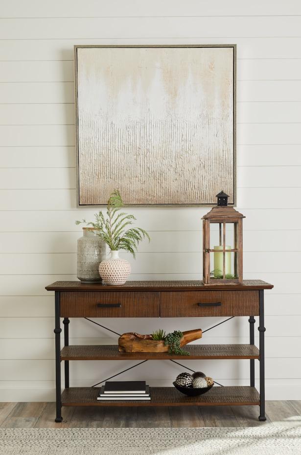Modern Farmhouse Decor: Reclaimed Wood