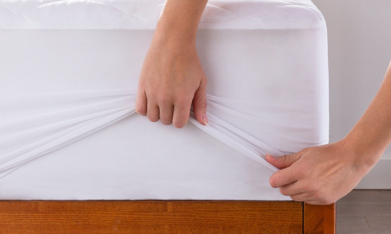 Quick Tips & Tricks for Cleaning a Memory Foam Mattress | Overstock com