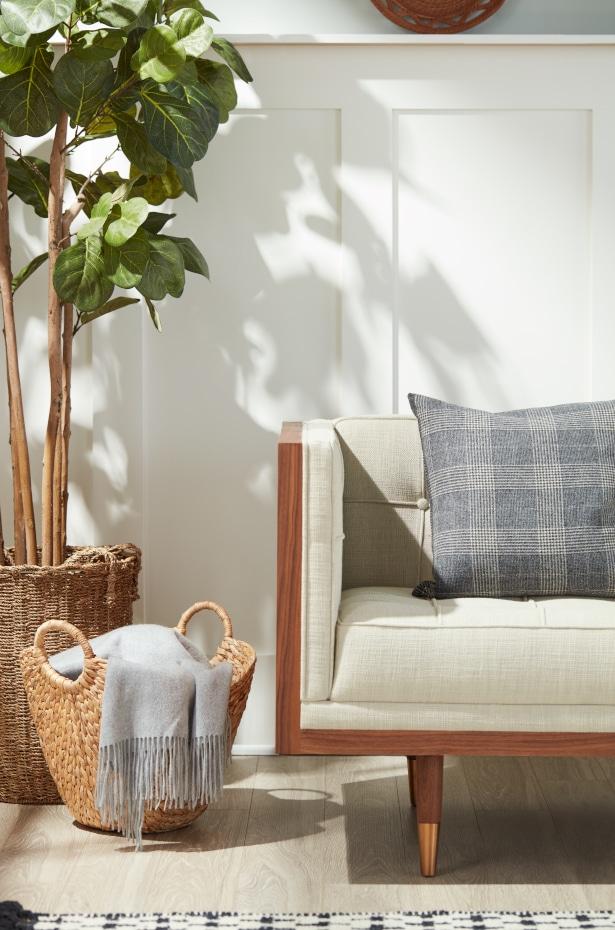 Modern Farmhouse Decor: Cozy Textiles