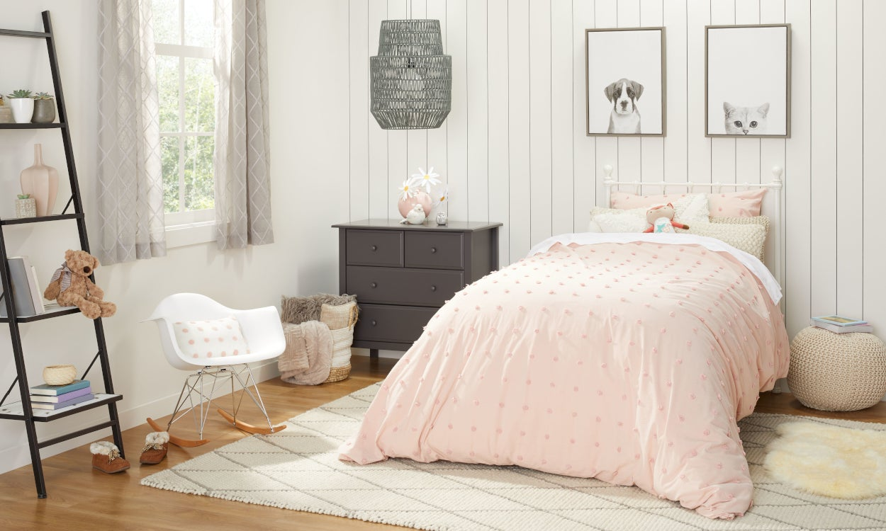Girls' Room Bedding