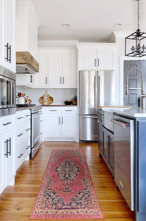 Easy to Clean Polyester Runner Rug in a Kitchen- 5 Tips for Choosing the Perfect Kitchen Rug