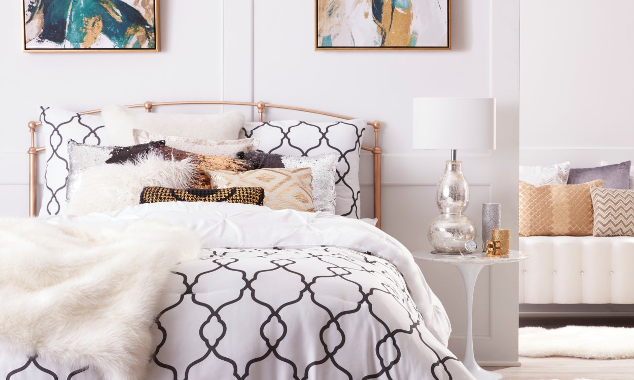 Glam bedding in a luxurious bedroom
