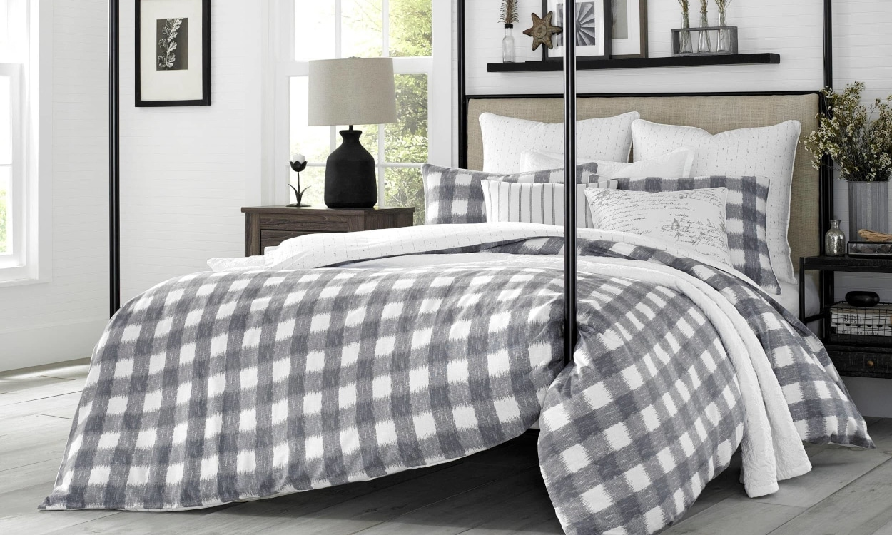 Farmhouse Bedding for Countryside Charm