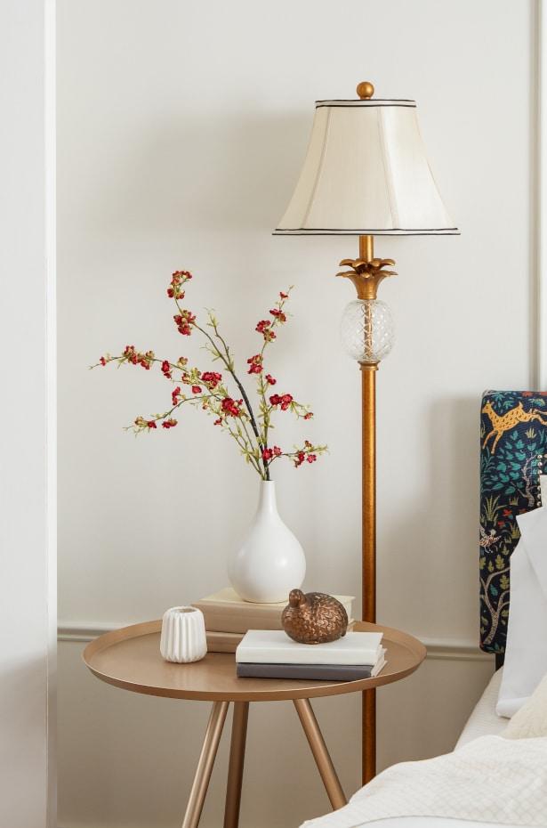 Floor Lamps: Statuesque Stunners