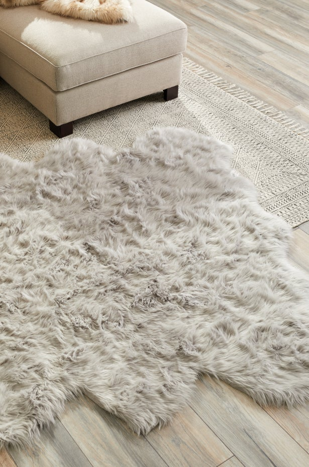 Faux Fur Rugs: Affordable Luxury