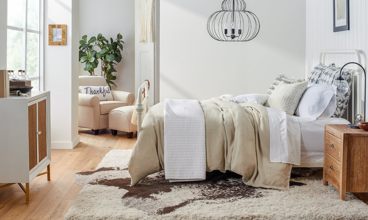 5 Ideas to Choose The Perfect Bedroom Area Rug | Overstock.com