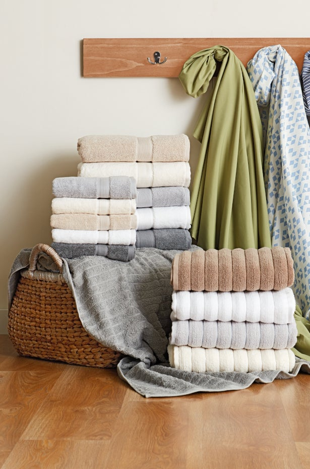 Bath Sheets Vs Bath Towels How To Choose Bath Linens Overstock Com