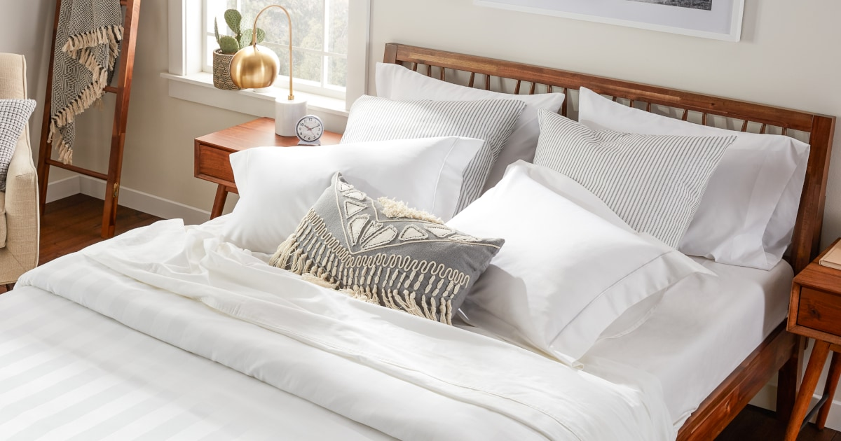 Egyptian Cotton Sheets vs. Sateen Sheets | Overstock.com
