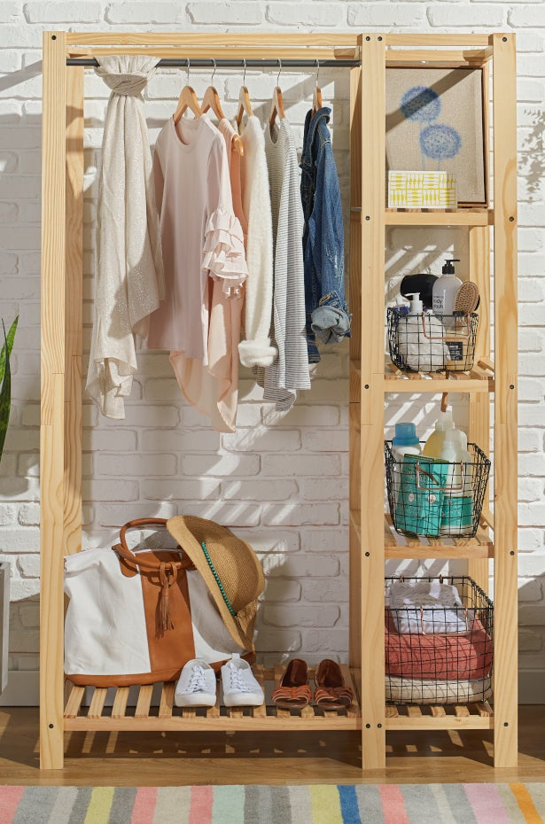 Compartmentalize Your Dorm Closet